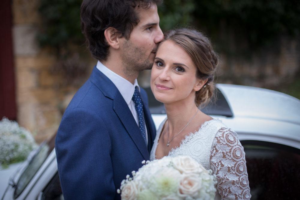 premier baisé des mariés au château de Janzé