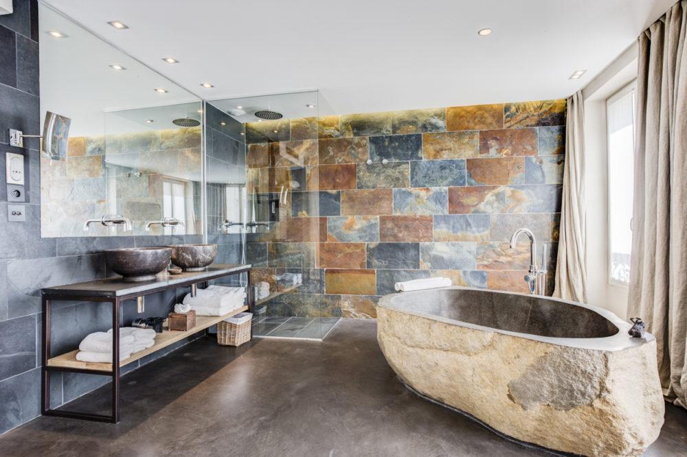 salle de bain chambre 208 hôtel hidden