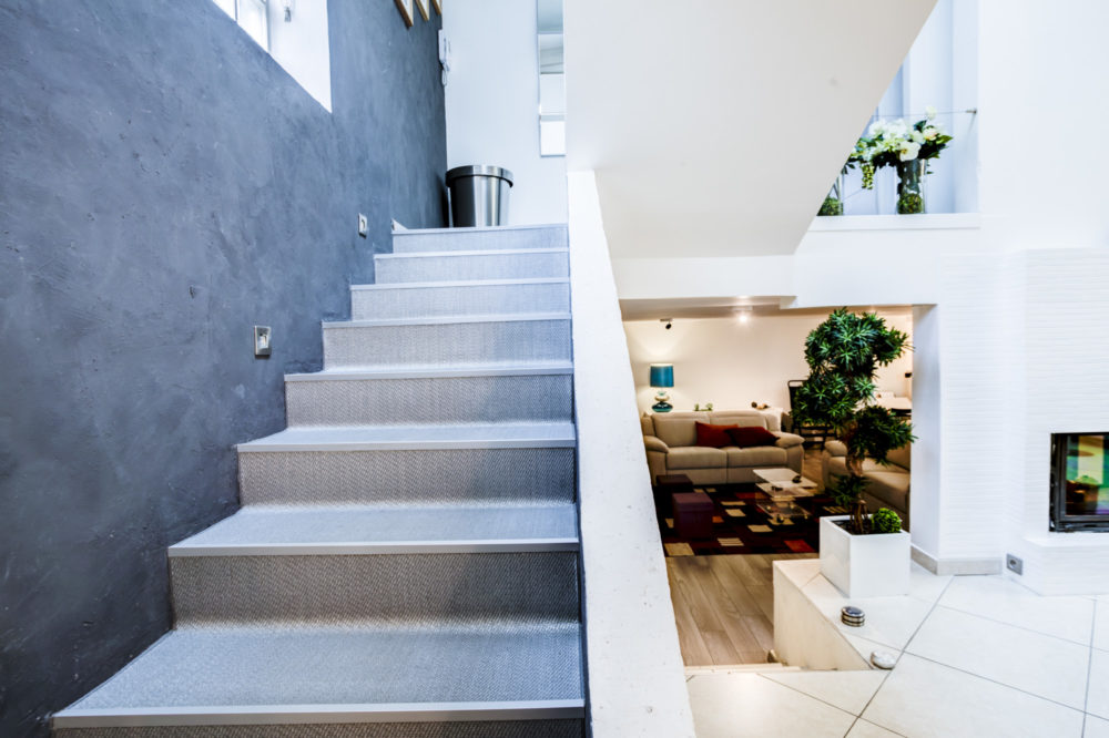 photo escalier design loft villeurbanne
