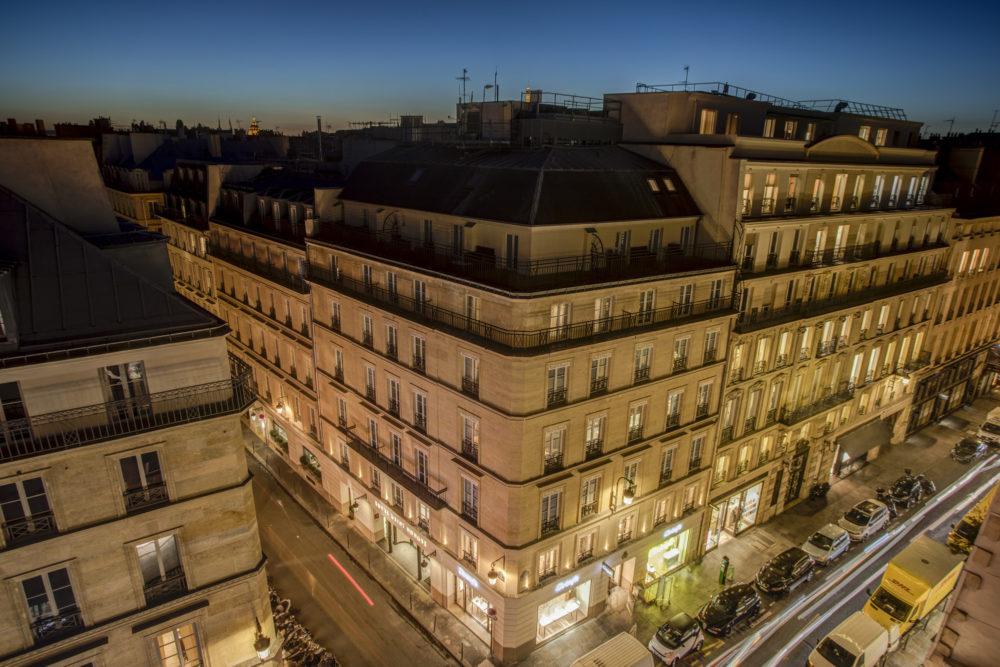vue extérieure sur l'hôtel royal saint honoré paris 8