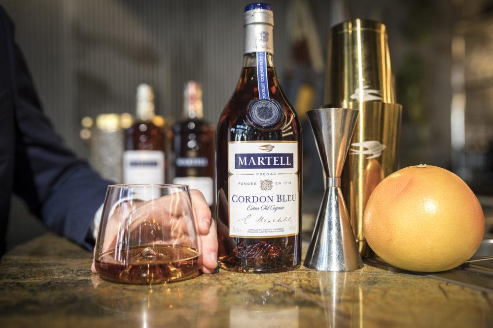 photo avec ambassadeurs de la marque de cognac Martell