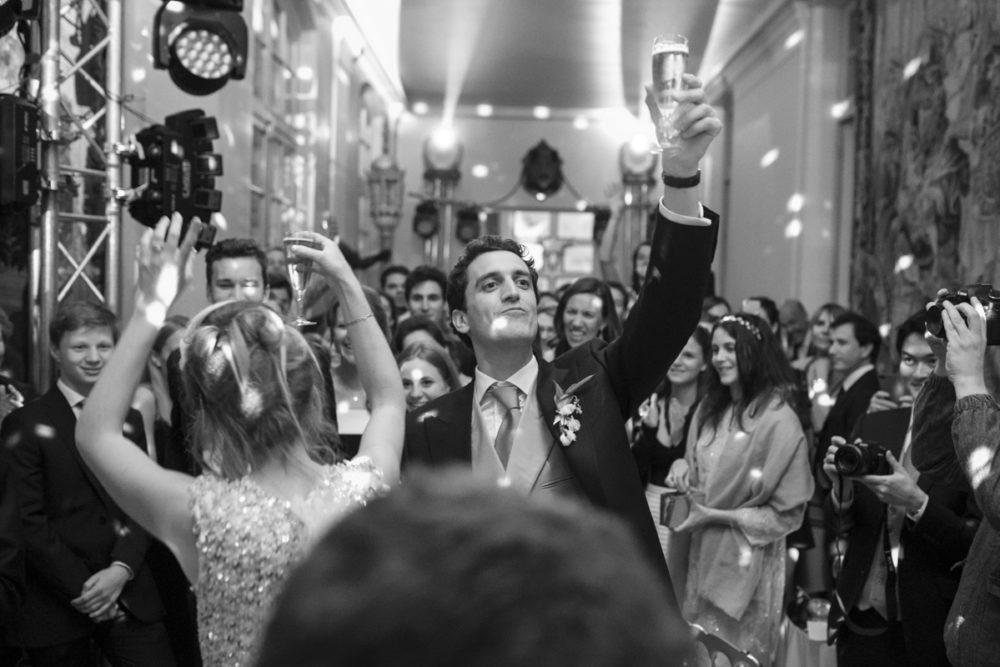 les mariés sur le dance floor