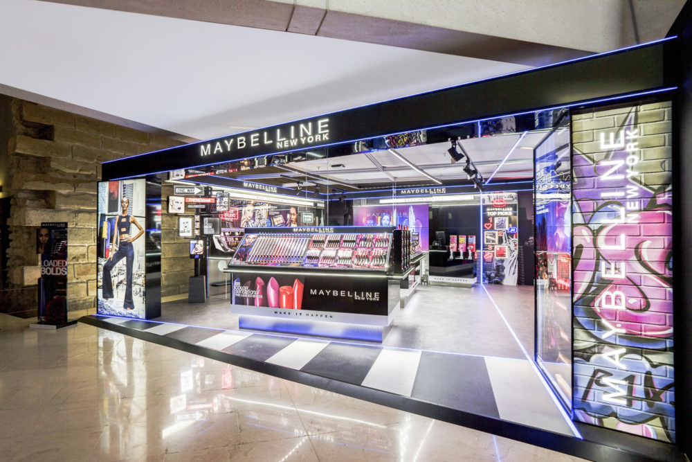retail corner Maybeline New-york